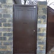 Распашные ворота и калитка.
