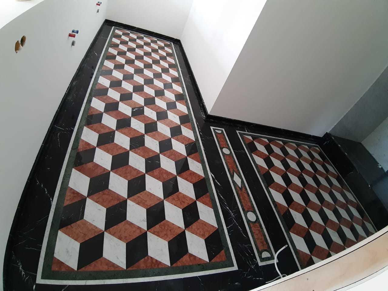 Плитка и мозаика. Укладка мраморной плитки