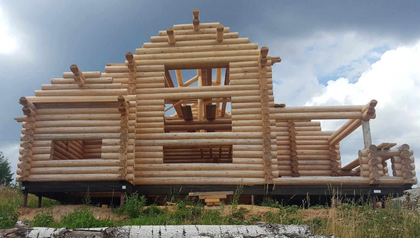 Строительство домов и коттеджей. Бани и дома из бревна